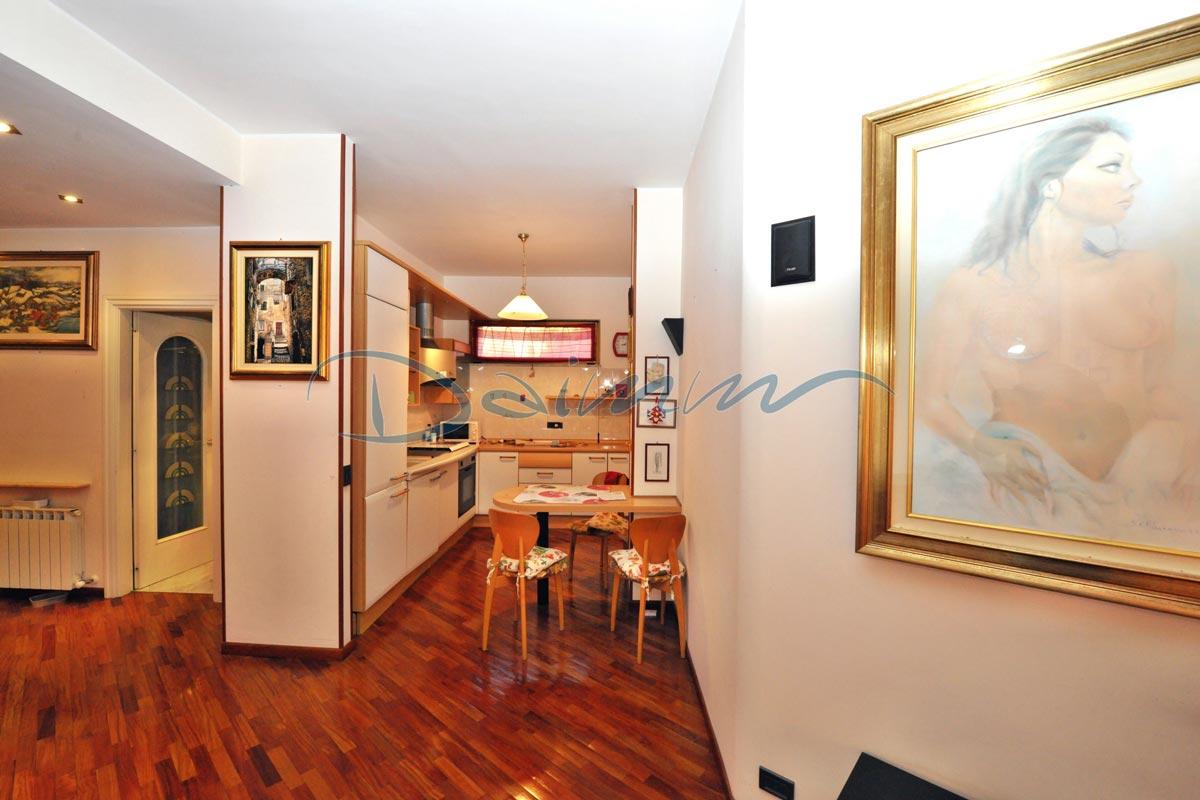 Vendita appartamento varazze puntabella casa al mare for Appartamento al mare design