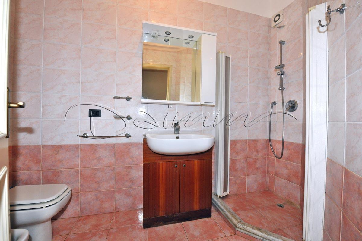 Vendita-appartamento-Genova-Nervi-via-Capolungo,-secondo-bagno - DAIMM