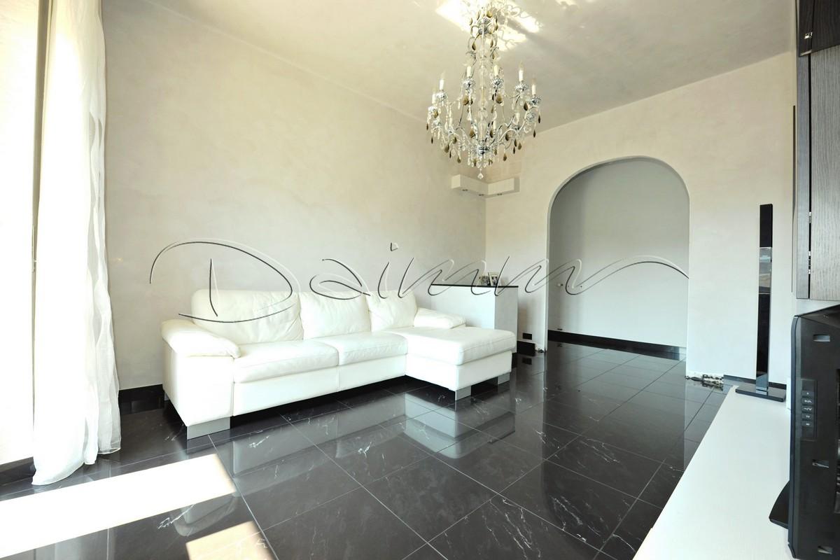 In Salotto Salerno.Daimm Vendita Appartamento Genova Sturla Via Brigata Salerno